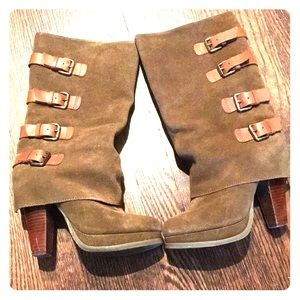 Report Monroe camel boots